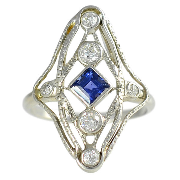0.33 Carat Sapphire Filigree Ring with Diamonds