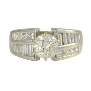 1.09 Carat Center VVS2 Diamond Engagement Ring