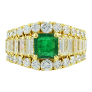18 Karat Gold 0.66 Carat Emerald and Diamond Ring